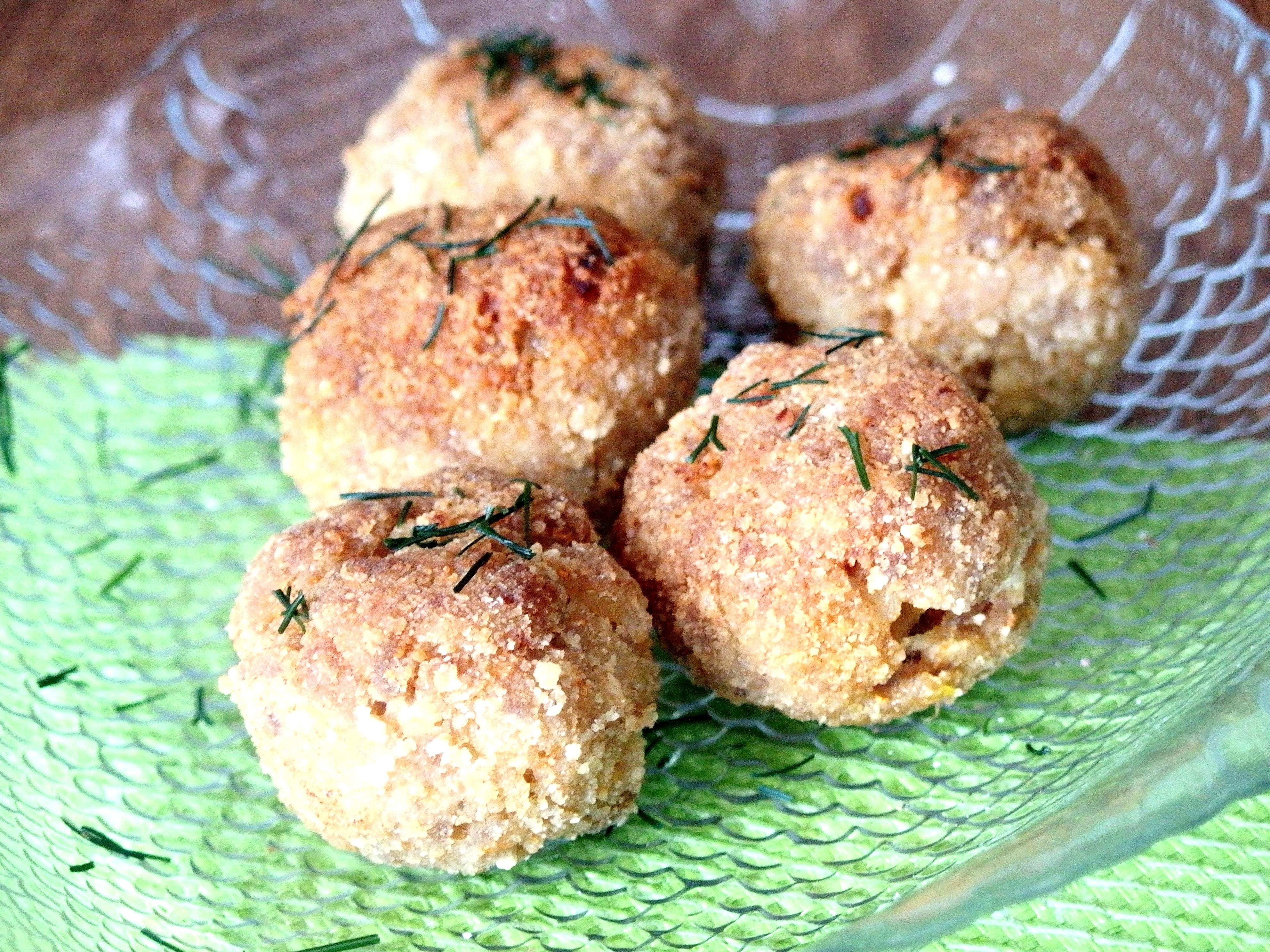 kotleciki z łososia z ziemniakami