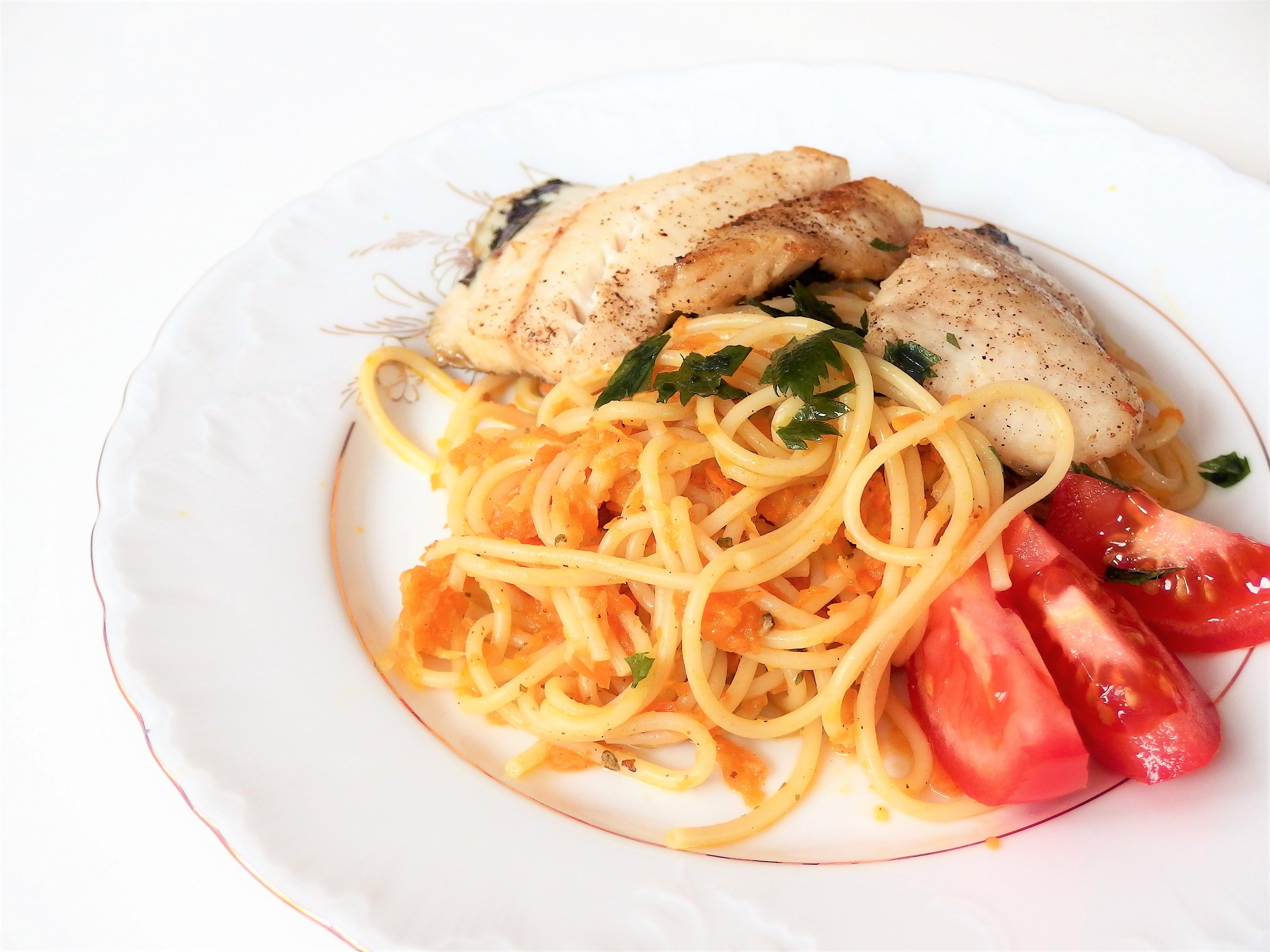 spaghetti warzywno rybne