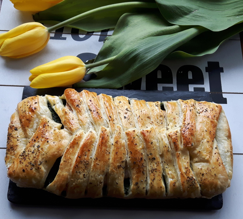 Warkocz francuski ze szpinakiem i łososiem